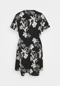ONLY Carmakoma - CARLUXINA WRAP KNEE DRESS - Day dress - black - 1