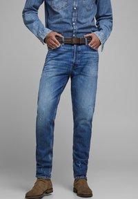 Jack & Jones - FRED ORIGINAL  - Straight leg jeans - blue denim - 0