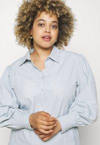 Missguided Plus - SLEEVE SHIRT - Button-down blouse - blue - 3