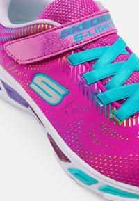Skechers - LITEBEAMS - Sneakers laag - neon pink/multicolour - 5