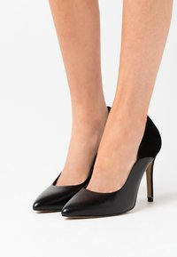 Tamaris - COURT SHOE - High heels - black - 0