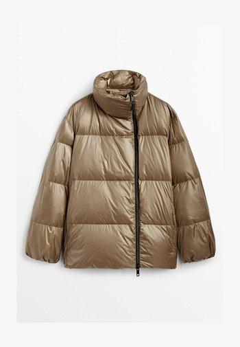 MIT SEITLICHEM REISSVERSCHLUSS - Winter jacket - ochre