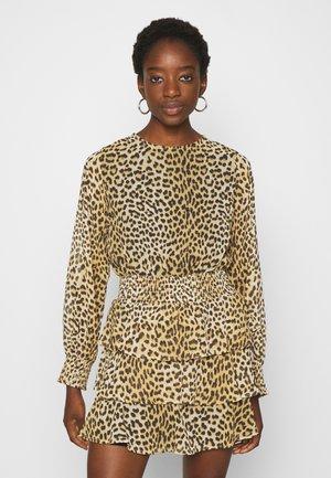 ALVA DRESS - Day dress - brown
