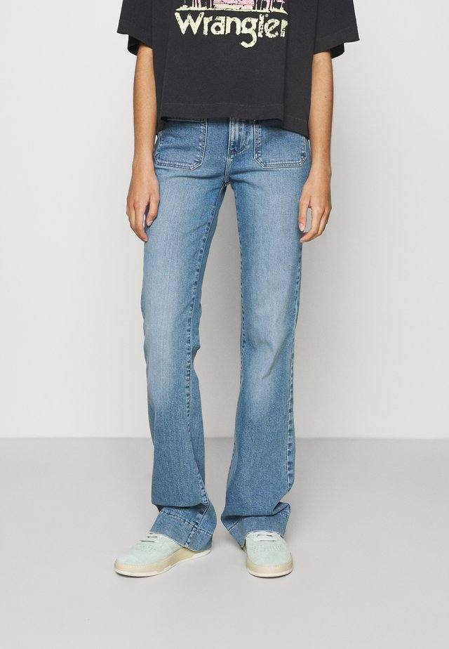 Flared Jeans - dusty mid