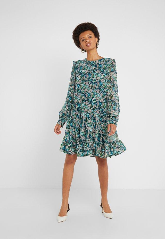 CARLIANE - Korte jurk - dove