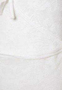 Lost Ink - V NECK WRAP MINI DRESS - Kjole - white - 2
