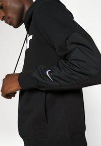 Nike Sportswear - AIR HOODIE - Felpa con cappuccio - black/white - 5