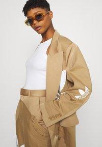 adidas Originals - Short coat - cardboard - 3