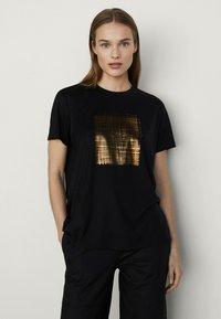 Massimo Dutti - T-shirt imprimé - black - 0