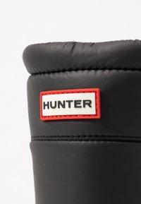 Hunter ORIGINAL - WOMEN'S ORIGINAL INSULATED TALL - Zimní obuv - black - 2