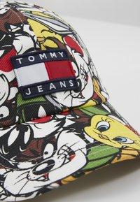 Tommy Jeans - LOONEY TUNES  - Lippalakki - twilight navy - 2