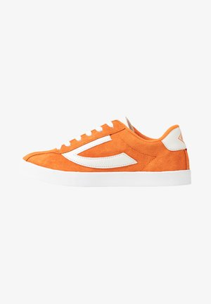 RETRO TRIM - Trainings-/Fitnessschuh - terracotta/eggshell
