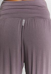 Deha - PANTALONE ODALISCA - Trainingsbroek - purple gray - 3