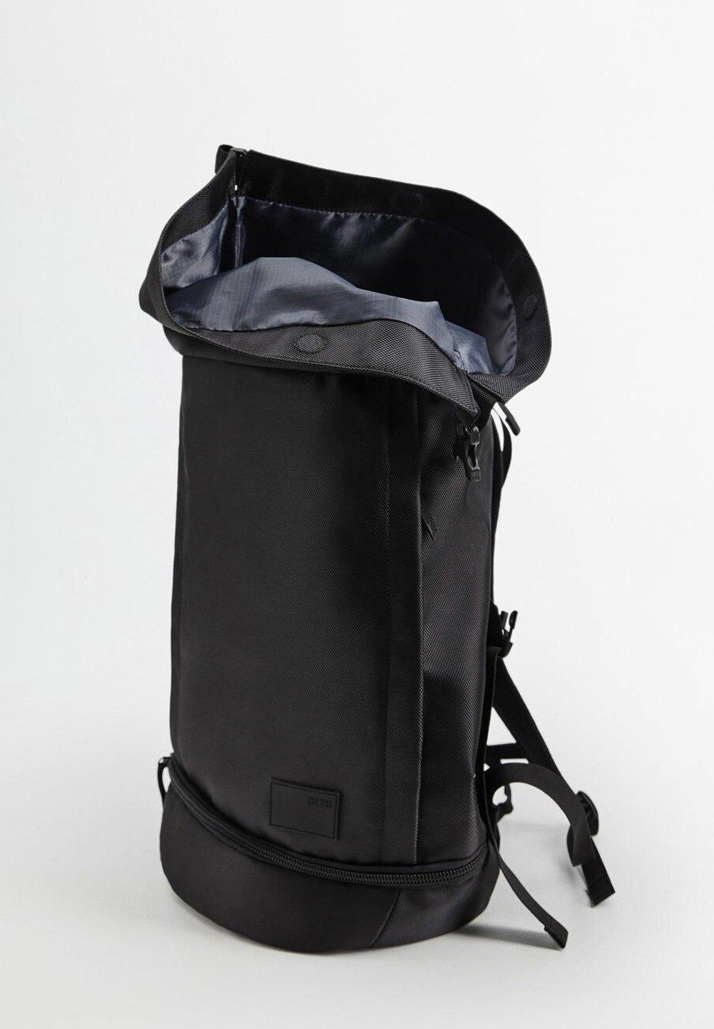 Mango BERLIN - Tagesrucksack - svart/schwarz - Herrentaschen cVh9A