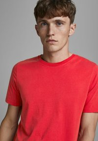 Jack & Jones - Camiseta básica - true red - 3