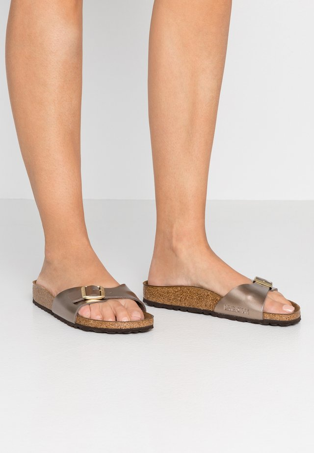 MADRID - Chaussons - electric metallic taupe
