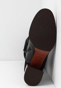 Chie Mihara - Botas con cordones - black - 6