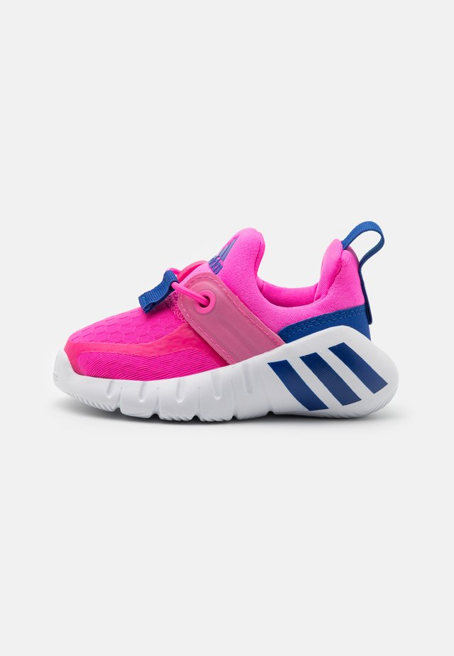 RAPIDAZEN UNISEX - Sports shoes - screaming pink/team royal blue/footwear white