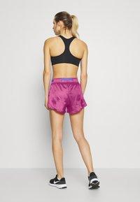 Nike Performance - Sports shorts - fire pink/sapphire/white - 2