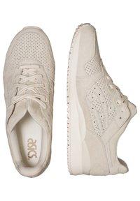 ASICS SportStyle - GEL-LYTE III UNISEX - Zapatillas - cream/cream - 1