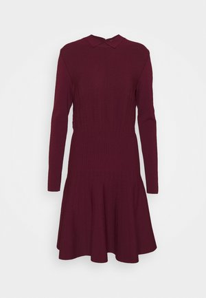 UNITARD - Pletené šaty - violet