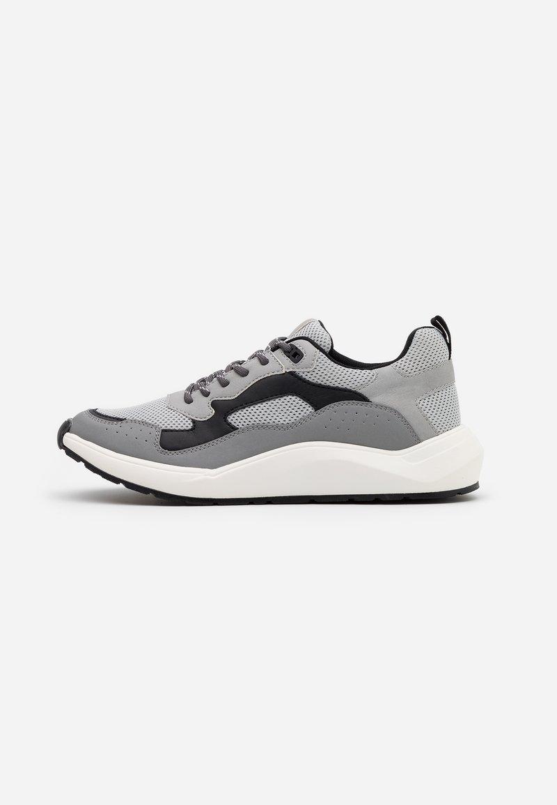 Steve Madden - FORREST - Sneakersy niskie - grey