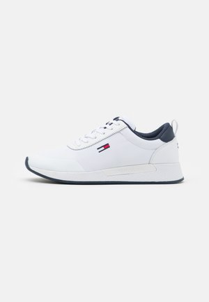 FLEXI RUNNER - Sneakersy niskie - white