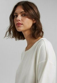 Esprit Collection - Basic T-shirt - off white - 4