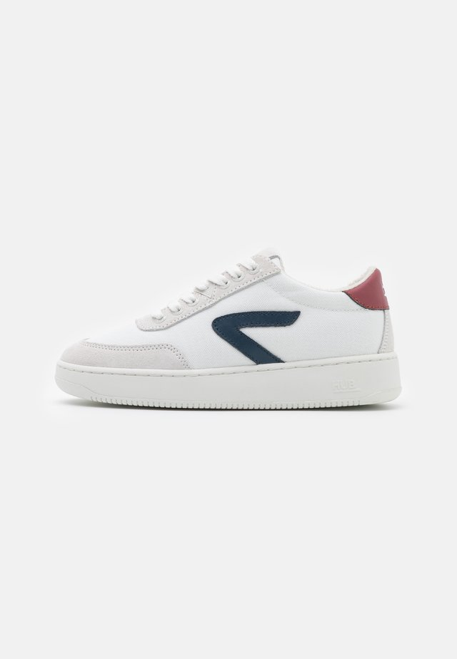 BASELINE - Trainers - white/blue/gravel/offwhite
