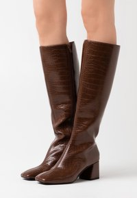 Monki - VEGAN PATTIE BOOT - Støvler - brown medium dusty - 0