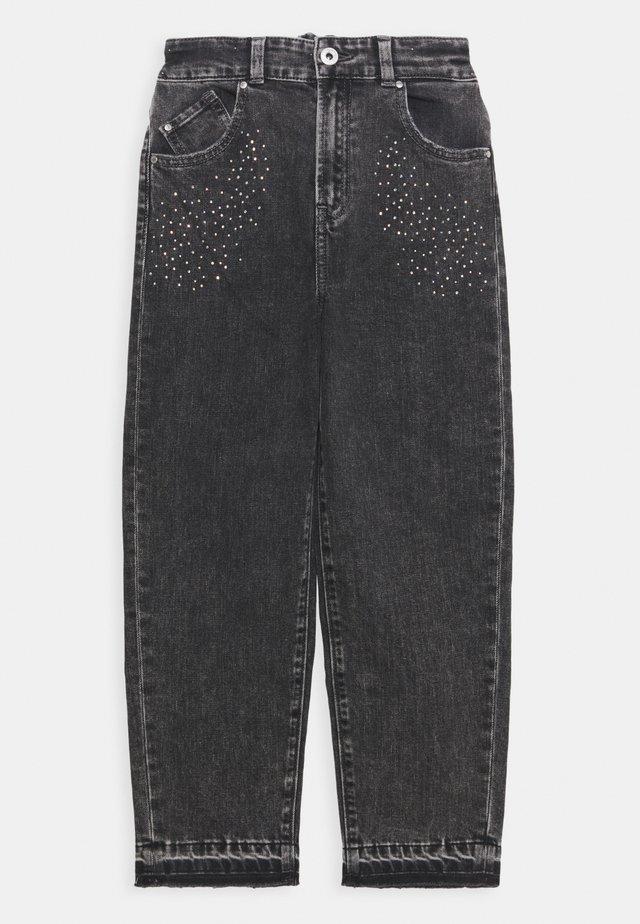 PARIS MUMFIT - Relaxed fit jeans - grey denim
