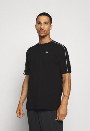 OVERSIZED RAGLAN - Print T-shirt - black