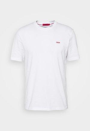 DERO - Jednoduché triko - white
