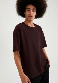 DeFacto - OVERSIZED - T-Shirt basic - bordeaux - 3