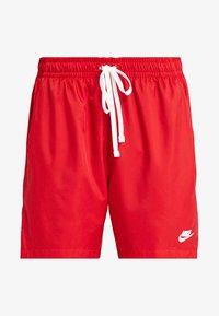Nike Sportswear - FLOW - Shorts - university red - 4