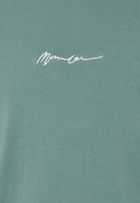 Mennace - ESSENTIAL SIGNATURE LAYERED UNISEX  - Topper langermet - dark green - 2