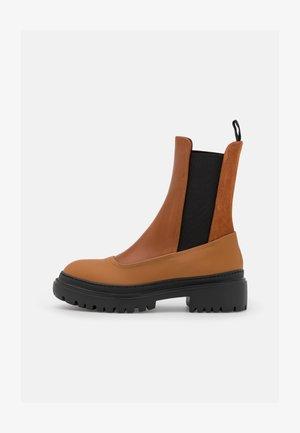 Kotníkové boty na platformě - mid brown/rust gommato