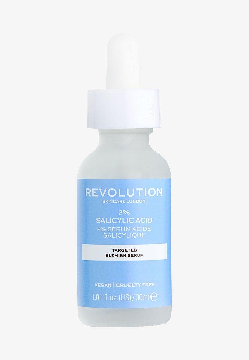 Revolution Skincare - TARGETED BLEMISH SERUM 2% SALICYLIC ACID - Sérum - -