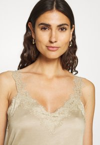 Esprit Collection - FLOW VNECK - Top - khaki beige - 3