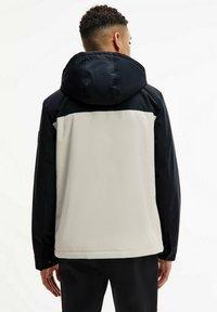 Calvin Klein - TECHNICAL - Light jacket - bleached stone - 1