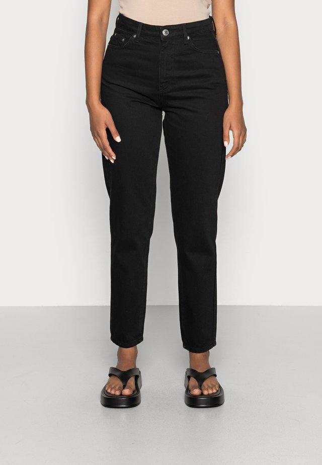 DAGNY HIGHWAIST - Jeans Tapered Fit - black