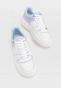 Stradivarius - Sneakers laag - blue - 2