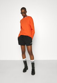 The North Face - MIX AND MATCH - Shorts - black - 4