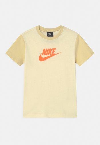 Camiseta estampada - coconut milk/lemon drop/bright mango