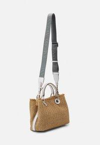 Emporio Armani - BAG SET - Handbag - natural/bianco - 2