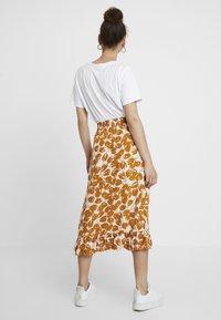 Moss Copenhagen - REIGN MOROCCO SKIRT - Maxi skirt - ecru - 2