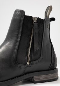 Sneaky Steve - CONCRETE - Classic ankle boots - black - 5