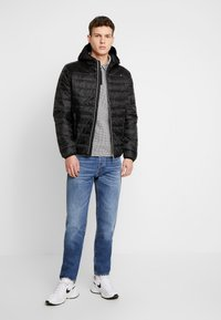 Guess - SUPER LIGHT ECO FRIENDLY - Light jacket - jet black - 1