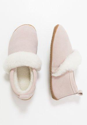 Domácí obuv - lotus