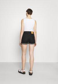 ONLY - ONLBAY LIFE  - Short en jean - black denim - 2